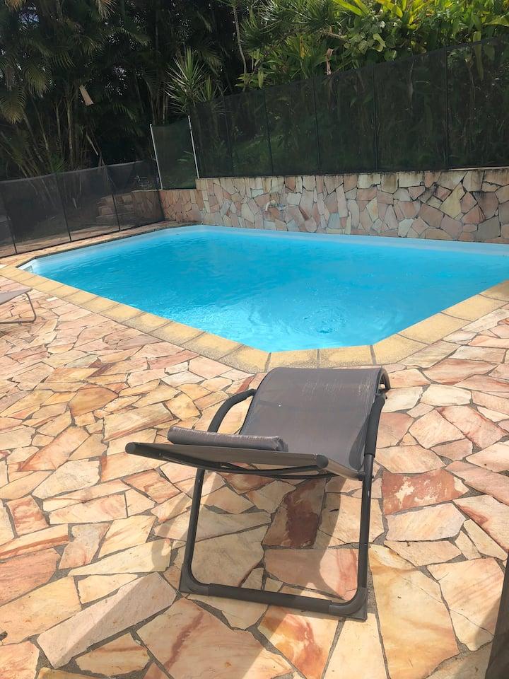 Charmant bungalow avec piscine