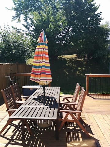 LARGE PRIVATE ROOM WITH PRIVATE BATHROOM - Vaughan - Casa