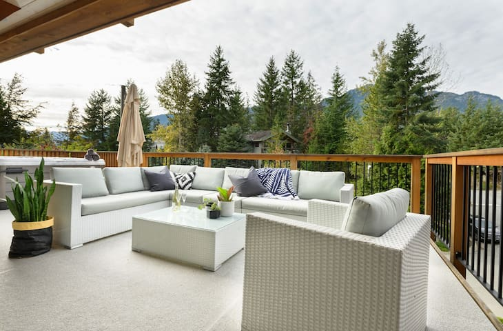 Main balcony with summer furniture