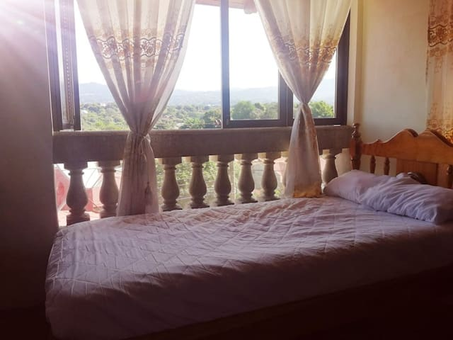Private room with amazing view in Grecia cozy stay