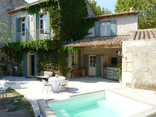House Provencal of the 18th, swimming pool-Spa - Vallabrègues - Huis