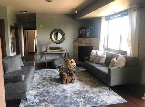 In the heart ❤️ of Detroit Lakes - Condo