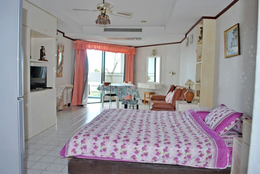 Spacious 44 sq.m studio with lovely sea-view