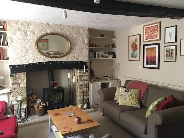 Cosy terrace cottage in Tetbury