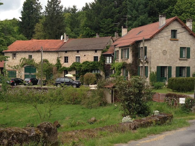 sleeps 8 | heated pool | LES VIGNES - Saint-Sylvestre - Huis