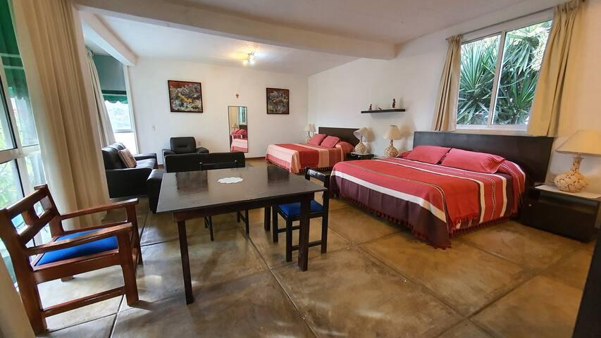 Suite Roja super amplia, con dos camas King Size