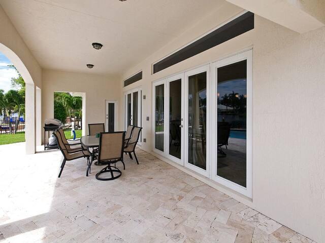 Gorgeous Intracoastal Canal Villa! - Delray Beach - House