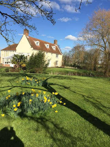 Period farmhouse, very pretty. - Bungay - Hus