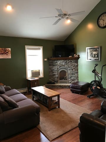 Joe's cozy loft