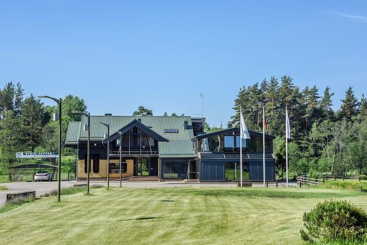 Highland Park villa