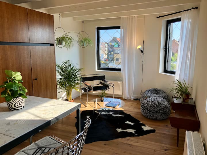 Water side stay in duplex apartment