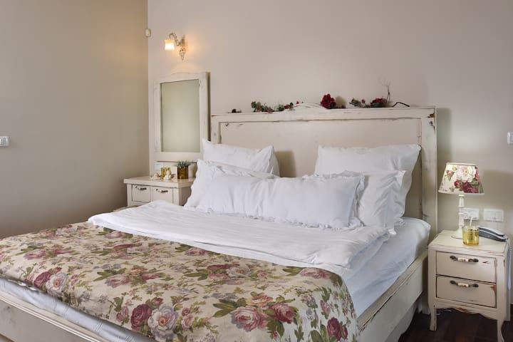 Double Bed Suite + Mattress