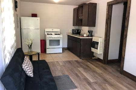 Apartment A in newly renovated quadplex in Lindsay