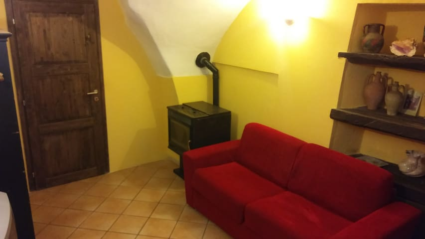 Appartamento nel Borgo Medievale - Cisano Sul Neva