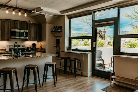 BRAND NEW lofts in The Village Commons-Sleeps 5
