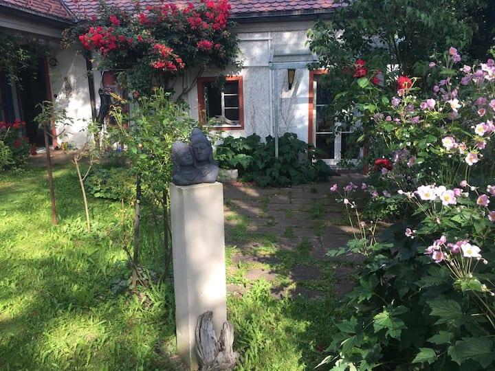 Studio im schönen Garten