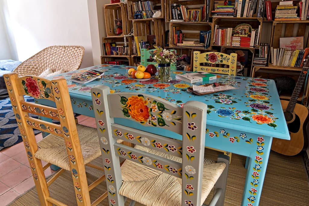Dining room with new table and chairs