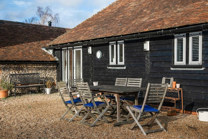 Flint & Chalk luxurious barn conversion