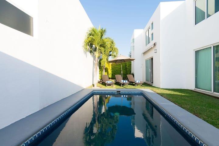 LA ÚNICA piscina, jardín y palapa privados. WiFi