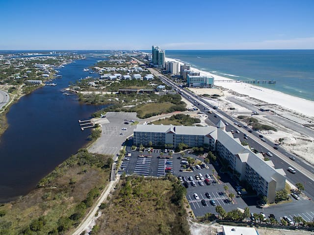 Orange Beach Condo w/ Pool, Boating - Orange Beach