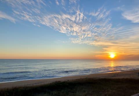 Turtle Tides - Oceanfront Penthouse Retreat