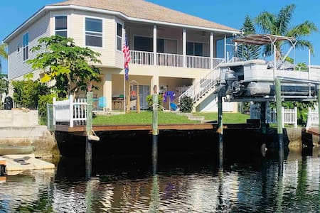 Casa Villa Seaside Rustic Retreat- Direct to Gulf