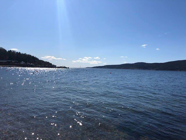 Super hytte ved sjøen nær Oslo