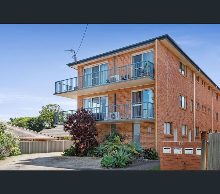 Oxley Place - walk to beach and town centre