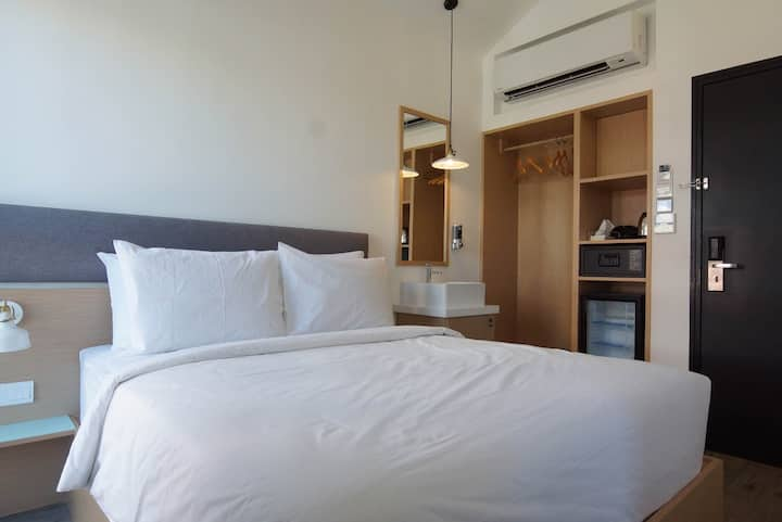 ♥COZY Queen HOTEL ROOM in George Town + FREE WiFi♥