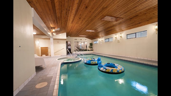 Westside Pool Home 8 min to Downtown by CAD Line