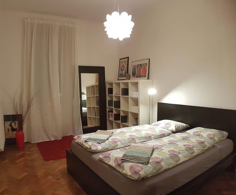 21.12.16 - update - bedroom - in the evening