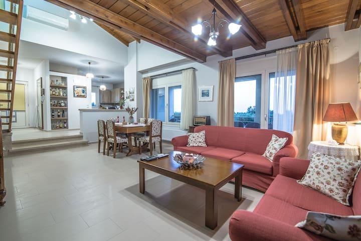 Luxury Villa Marilena
