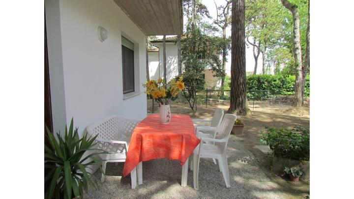 Trilocale in Villa - piano terra- giardino privato