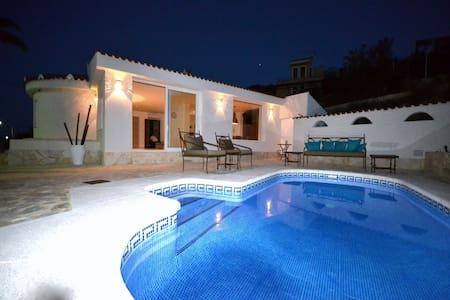 Exclusive villa in Cala D´Or - El Campello