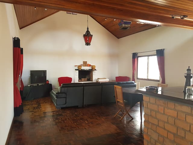 Maison dans résidence privée à Antananarivo - Антананариву - Дом
