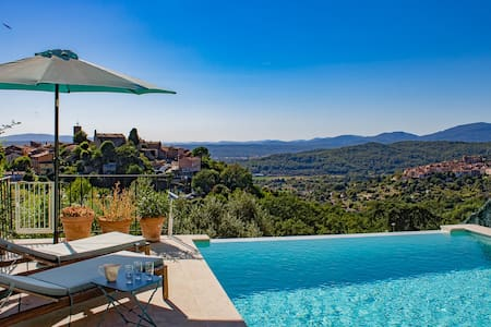 COSY 150M² VILLA / INFINITY POOL / PANORAMIC VIEW