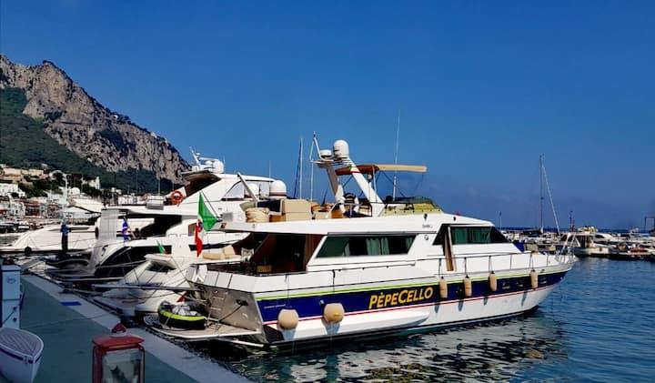Elegante e spazioso yacht 20m nel cuore di Napoli