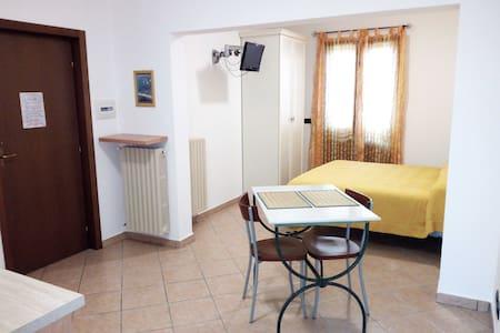 MONOLOCALE PUGLIA/SALENTO Vittoria Resort - app.3 - Galatina - Bed & Breakfast