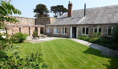 The Coach House with large, private Walled Garden