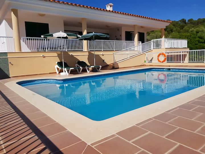"""Family-friendly Holiday Home """"Santo Grande"""" with Garden, Pool, Barbecue, Wi-Fi, Air Conditioning & Satellite TV; Parking Available"""