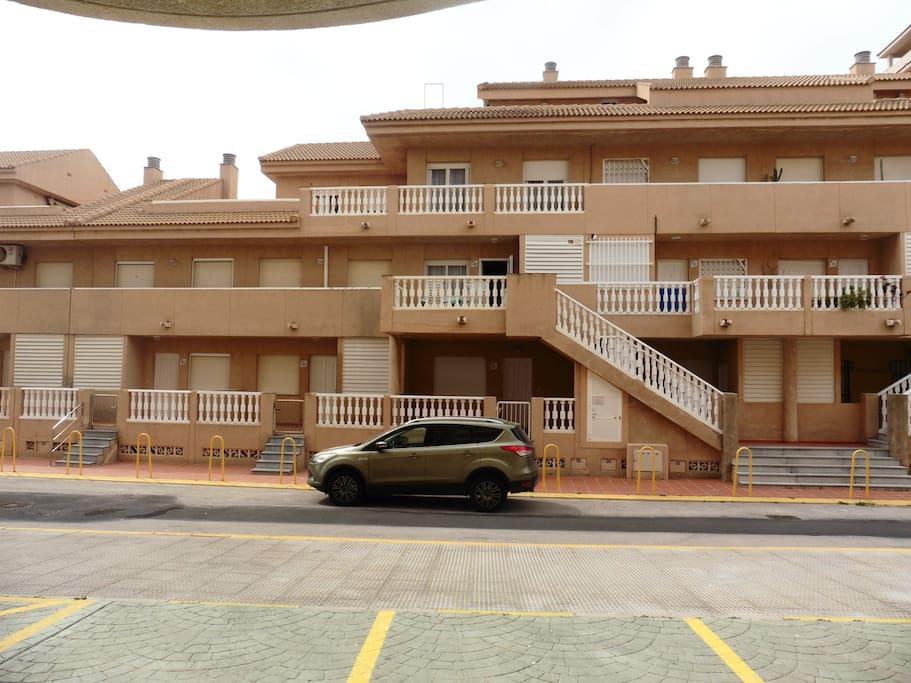 Vista exterior del dúplex y las dos terrazas