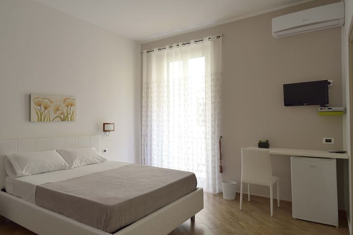 B&B Cavaliere Costa [Stanza 1] - Porto Empedocle - Bed & Breakfast