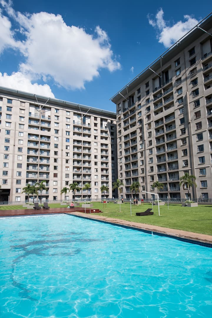Modern Furnished 2 Bedroom Sandton