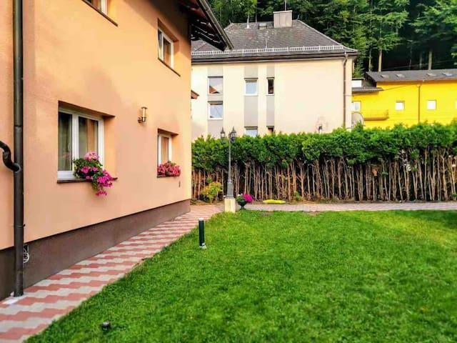 Salzburg Langwied Apartment  3有客假日民宿 Finkenstr.4,