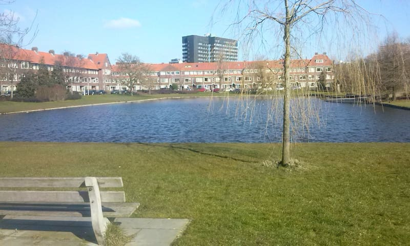 Central Room with a Lovely Pond - Groningen - Huoneisto