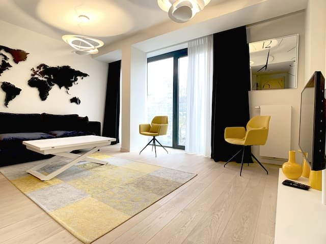 Studio with Lounge Rooftop & Free Parking