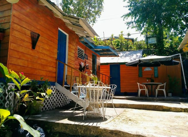 Mikuzi guesthouse located 5 mins from blue lagoon
