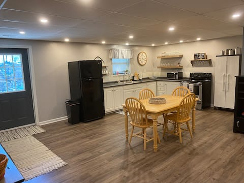 1,400 sq ft of clean finished house basement livin