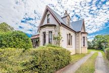 """Rosslyn"" National Trust Victorian"