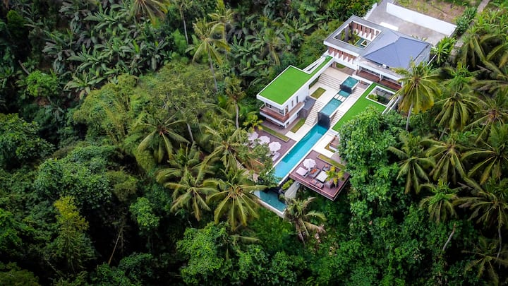 New! 6 BR Paradise w infinity pool and jungle view